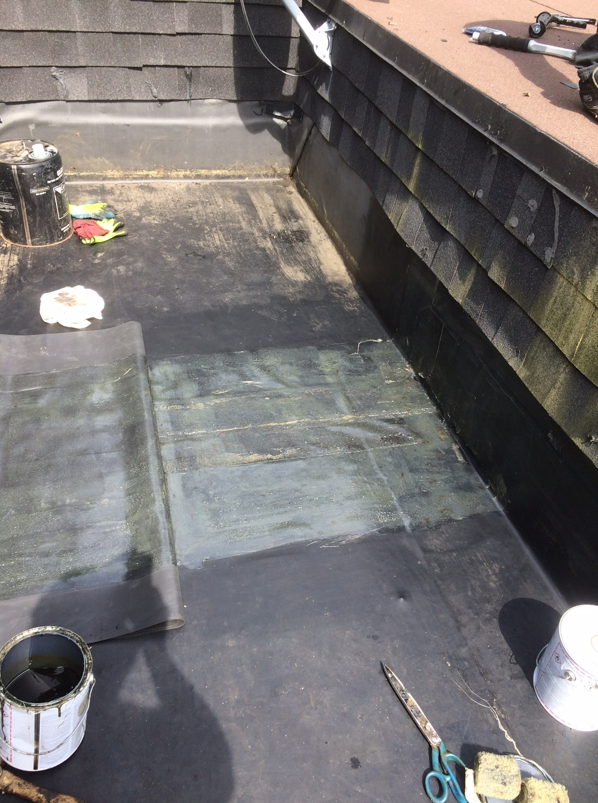 Epdm Membrane Repairs To Flat Roof In Markham Roofing