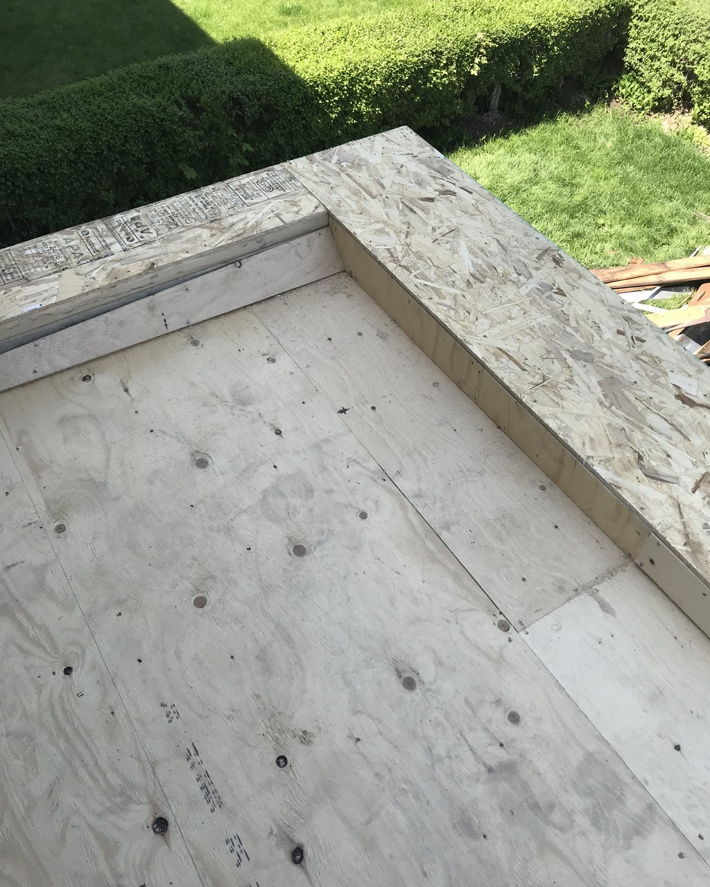 Carpentry alterations to canopy on home in Toronto