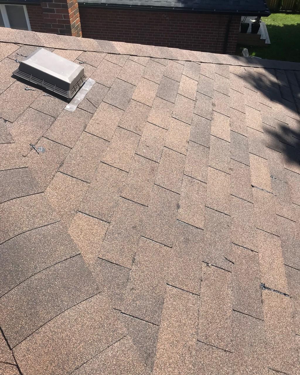 Install asphalt shingles to residential home in Don Mills