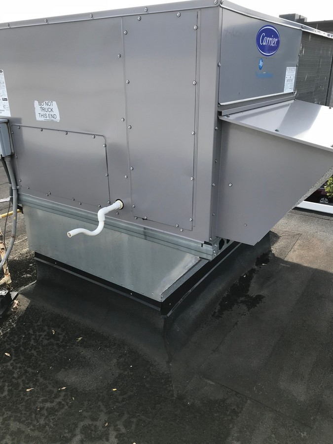Repairs to mechanical roof top unit in Toronto