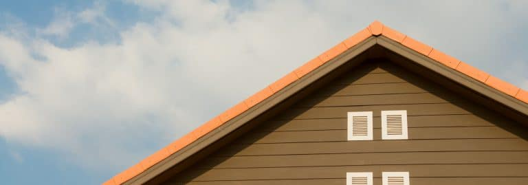 Modern, minimalist, cost effective & durable – flat roofs are fantastic for residences & commercial buildings. Call Metro Roofing today for more info.